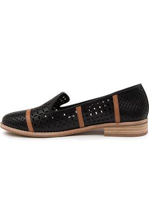 Django & Juliette Women Casual Shoes - Alycia Dj Tan Shoes Womens Shoes Casual Flat Shoes