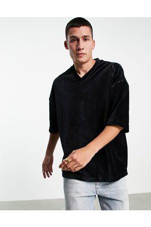 ASOS Men Short Sleeve - Oversized v neck t-shirt in ribbed velour