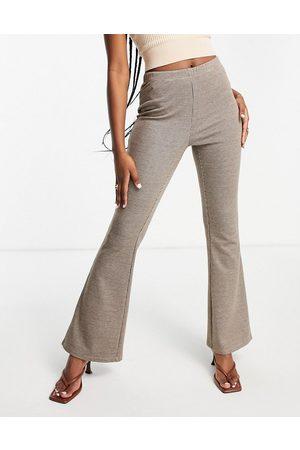 VILA Flared pants in check-Brown
