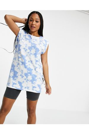 Pieces Longline t-shirt in -Multi