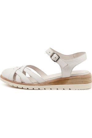 Diana Ferrari Barna Df Shoes Womens Shoes Casual Heeled Shoes