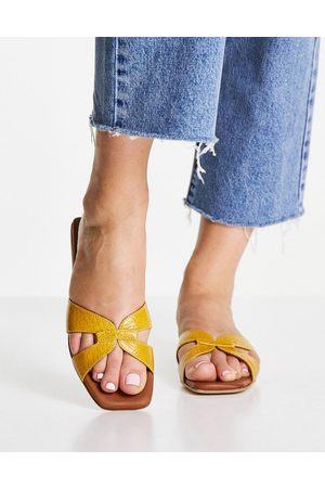 Whistles Tabitha flat leather sliders in