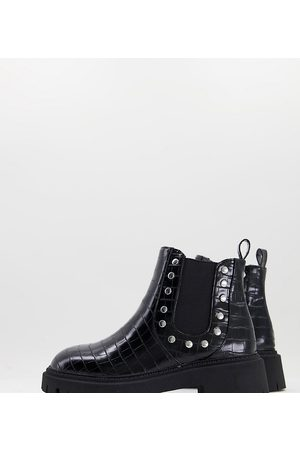 London Rebel Wide Fit chunky chelsea boots with studs in