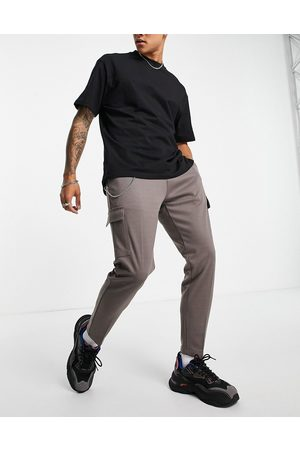 Mauvais Smart cargo trackies in taupe
