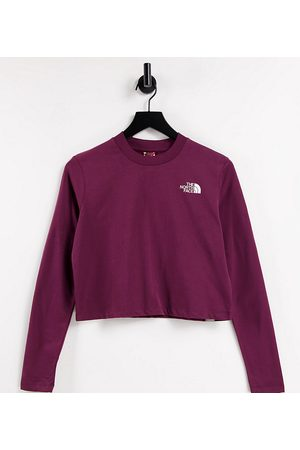 The North Face Cropped long-sleeved T-shirt in burgundy Exclusive to ASOS-Red
