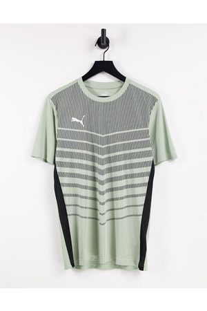 PUMA Men Short Sleeve - Football Graphic T-shirt in