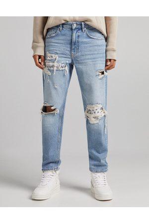 Bershka Bandana 90s jeans with rips in