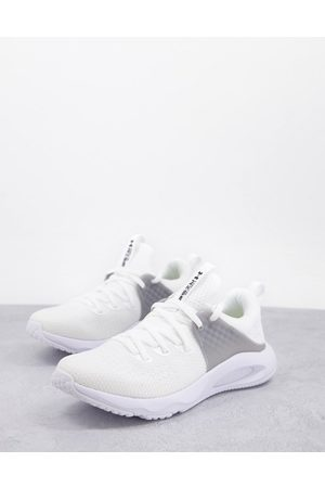 Under Armour HOVR Rise 3 trainers in