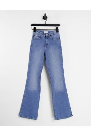 Wrangler Women Bootcut & Flares - High rise flare jeans in mid wash