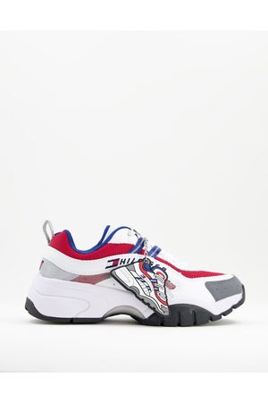 Tommy Hilfiger Flag logo low-cut sneakers in