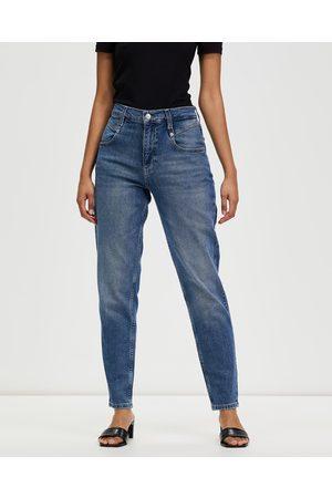 Calvin Klein Mom Jeans - High-Waisted Mom Jeans