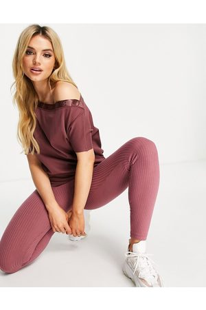 River Island Women Strapless Tops - Off-the-shoulder bardot lounge top in co-ord in dark pink