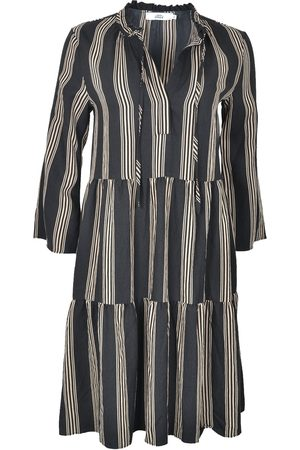 0039 Italy MILLY Tiered Stripe Dress & Taupe