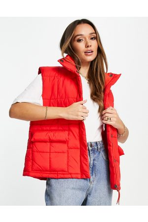 Levi's Puffer vest in red