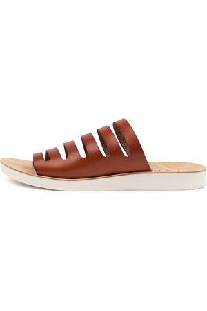 I LOVE BILLY Nikole Il Scotch Sandals Womens Shoes Casual Sandals Flat Sandals