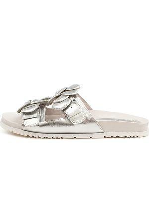 Django & Juliette Teya Dj Sandals Womens Shoes Casual Sandals Flat Sandals