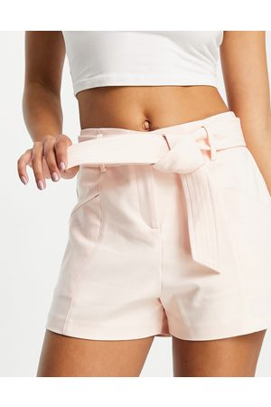 Morgan Women Shorts - Tailored short with belt in -White