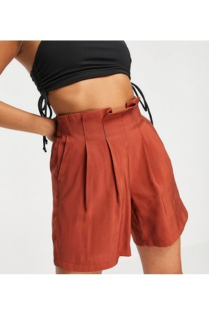 Pieces Women Shorts - Tailored shorts in -Brown