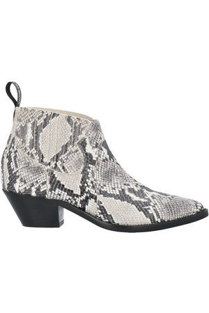 carmens Ankle boots