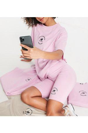 New Balance Legging shorts in pink