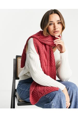 Urban Code Chunky knitted scarf in berry