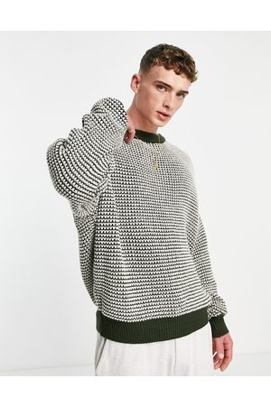 Mennace Knitted jumper in with two tone stitch detail