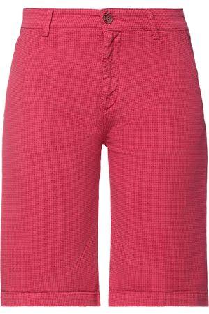 40 Weft Shorts & Bermuda Shorts