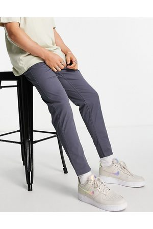 New Look Men Chinos - Tapered chinos in blue