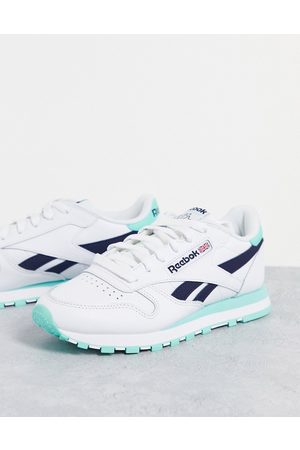 Reebok Classic Leather trainers in and mint