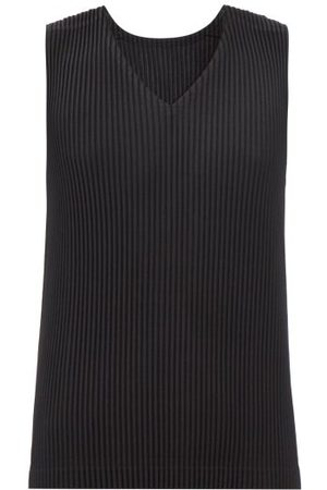 HOMME PLISSÉ ISSEY MIYAKE V-neck Technical-pleated Tank Top - Mens