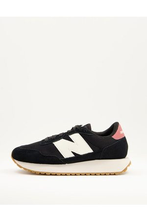 New Balance 237 mesh sneakers in and cream