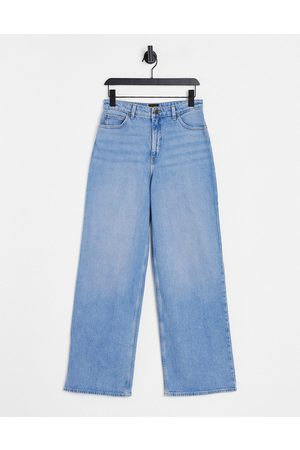 Lee Lee Stella high-rise A-line straight leg jeans in light wash