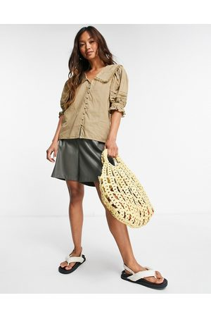 VILA Button-front blouse with collar in beige-Neutral