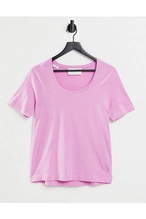 SELECTED Femme organic cotton round neck T-shirt in