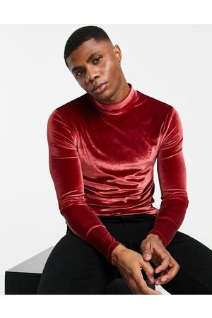 ASOS Muscle long sleeve t-shirt in velour with turtleneck-Red