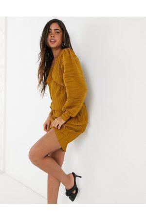 VERO MODA Mini plisse dress in -Yellow