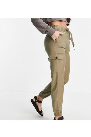 ONLY Cargo pants with tie waist in -Green