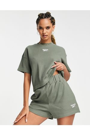Reebok Waffle t-shirt in olive -Exclusive to ASOS
