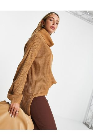 VERO MODA Wool mix longline jumper with roll neck in camel-Neutral