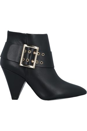 Tosca Blu Ankle boots