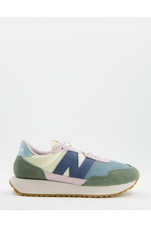New Balance 237 sneakers in pink and sage colourblock-Green