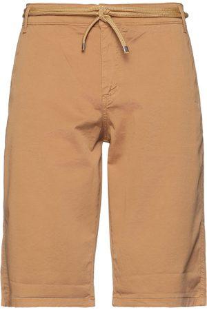 EXIBIT Shorts & Bermuda Shorts