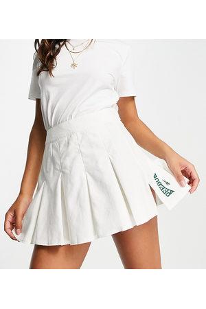 Reebok Tennis skirt in off Exclusive to ASOS