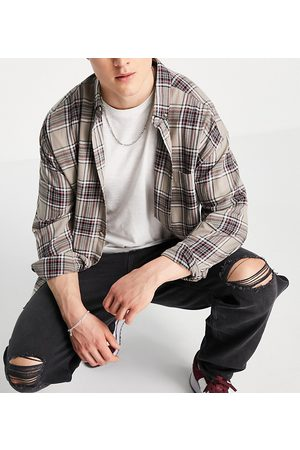 New Look Baggy 90s fit jeans with rips in