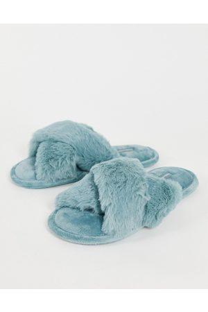 Hunkemöller Hunkemöller fluffy cross-strap slippers in