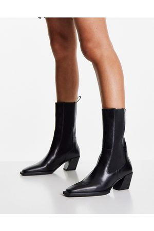 Vagabond Alina mid heeled calf boots in leather