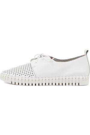 Django & Juliette Women Casual Shoes - Huston Shoes Womens Shoes Casual Flat Shoes
