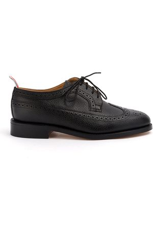 Thom Browne Classic Longwing Brogue Flat In Pebble Grain
