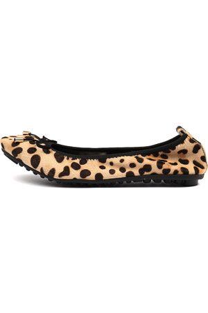Django & Juliette Women Casual Shoes - Belin Leopard Shoes Womens Shoes Casual Flat Shoes