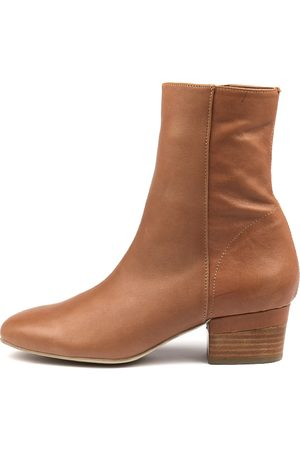 Django & Juliette Gloomie Tan Boots Womens Shoes Casual Ankle Boots